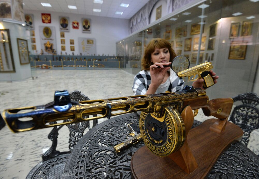 Zlatoust'taki silah fabrikası 1815 yılından beri faaliyet gösterior.