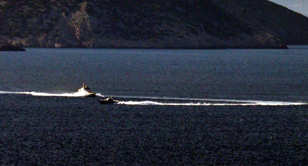 Türk ve Yunan sahil güvenliği Kardak kayalıkları önünde hareketli anlar yaşadı