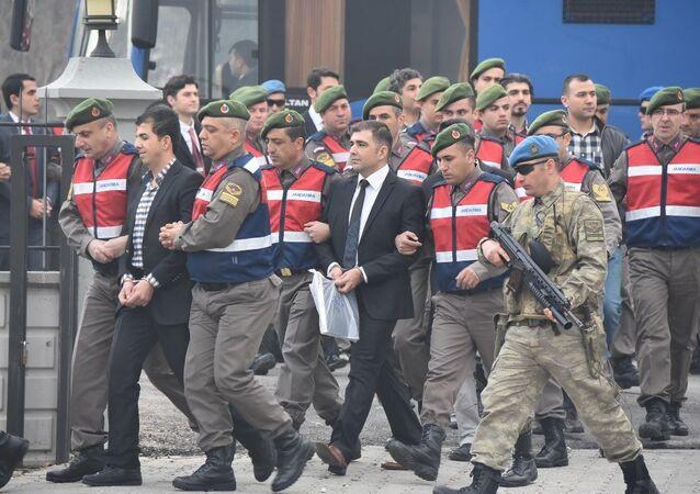 'Erdoğan'a suikast timi' sanıkları hakim karşısında.