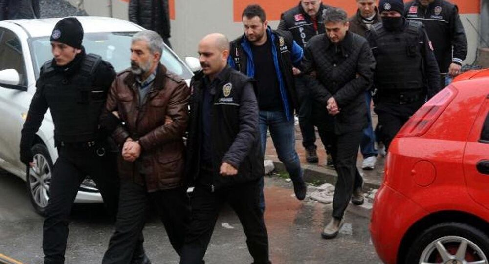 Eski hakim Dursun Ali Gündoğdu ile eski savcılar Adnan Çimen ve Sadrettin Sarıkaya