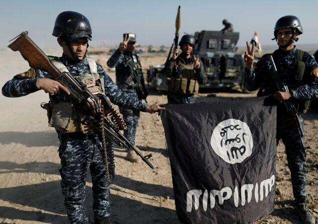 Musul'da IŞİD ile savaşan Irak federal polis güçleri