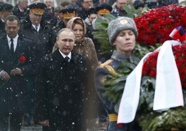 Rusya Devlet Başkanı Vladimir Putin, Vatanın Savunucuları Günü Bayramı'nda