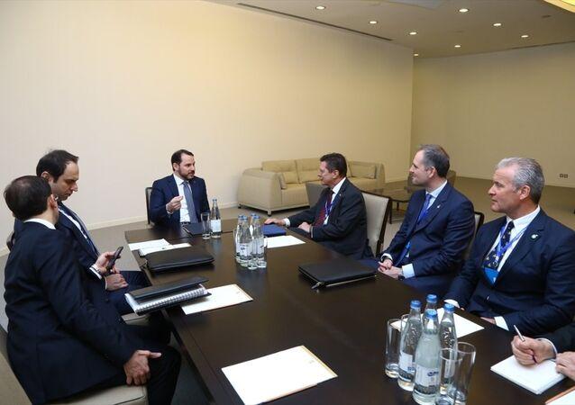 Enerji ve Tabii Kaynaklar Bakanı Berat Albayrak Bakü'de