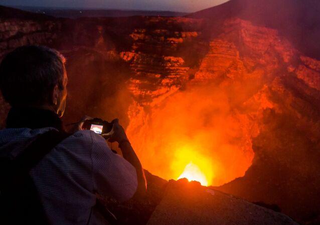 Nikaragua'daki Masaya volkanı