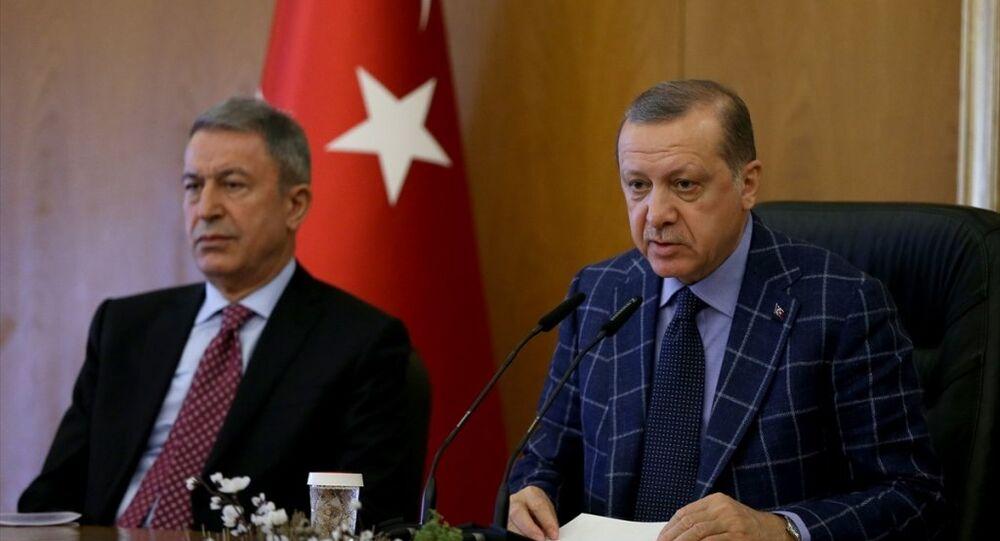 Erdoğan, Akar'ı 2019'a hazırlıyor: Cumhurbaşkanı yardımcısı olacak' - Sputnik Türkiye