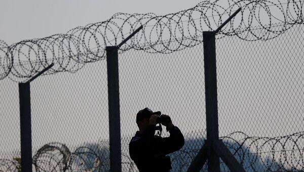 Macaristan - Sırbistan sınırındaki tel örgüler - Sputnik Türkiye