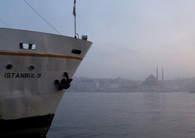 İstanbul - sis - vapur