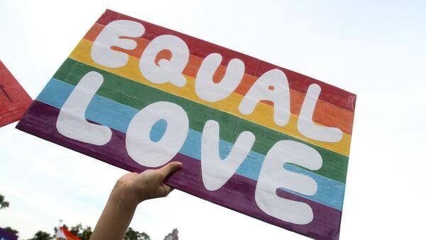 Finlandiya'da eşcinsel evlilik yasallaştırıldı - Sputnik Türkiye
