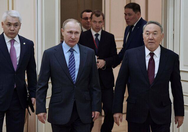 Rusya Devlet Başkanı Vladimir Putin ve Kazak mevkidaşı Nursultan Nazarbayev