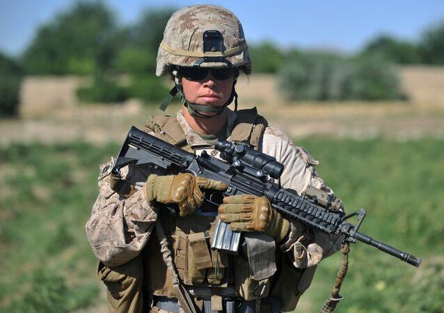 ABD donanması bünyesinde Afganistan'da görev yapan bir kadın asker