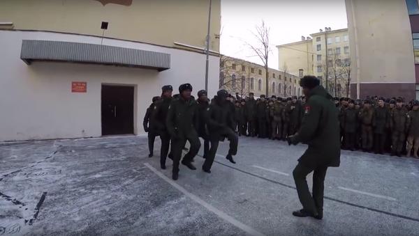 Angola'lı askeri öğrenciler bu danslarıyla Rusya'da birinciliği kazandı - Sputnik Türkiye