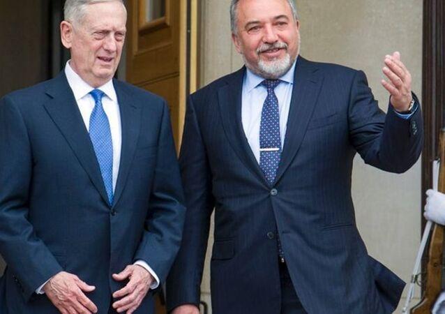 İsrail Savunma Bakanı Avigdor Lieberman ve ABD Savunma Bakanı Jim Mattis