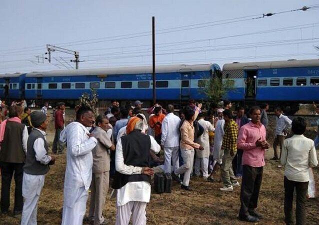 Hindistan'ın Madhya Pradesh eyaletindeki Jabri tren istasyonuna yönelik düzenlenen bombalı saldırı