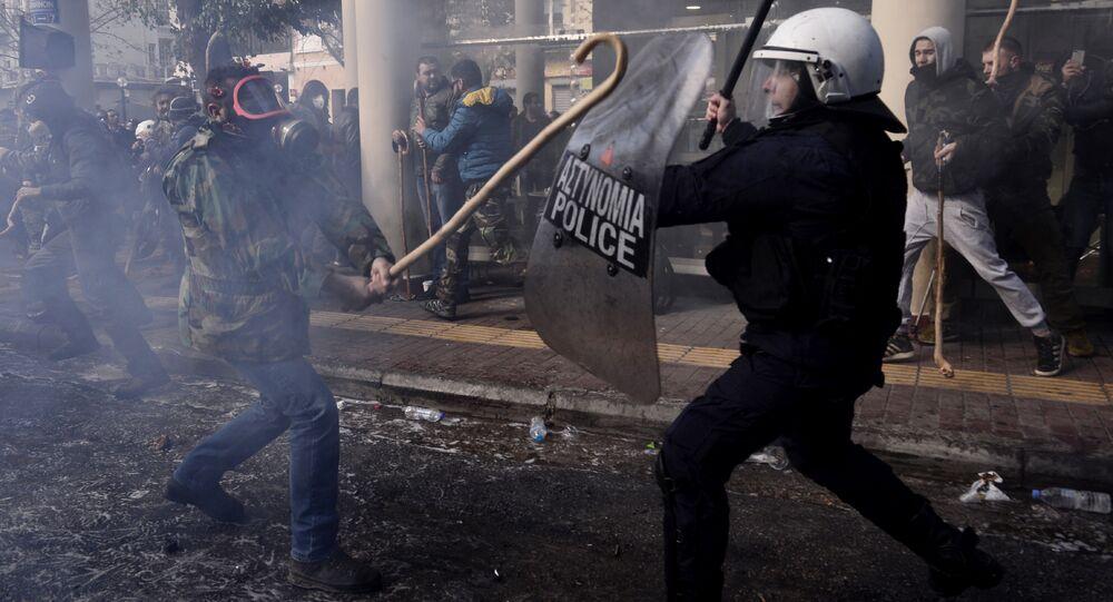 Atina'daki Giritli çiftçilerin eylemi
