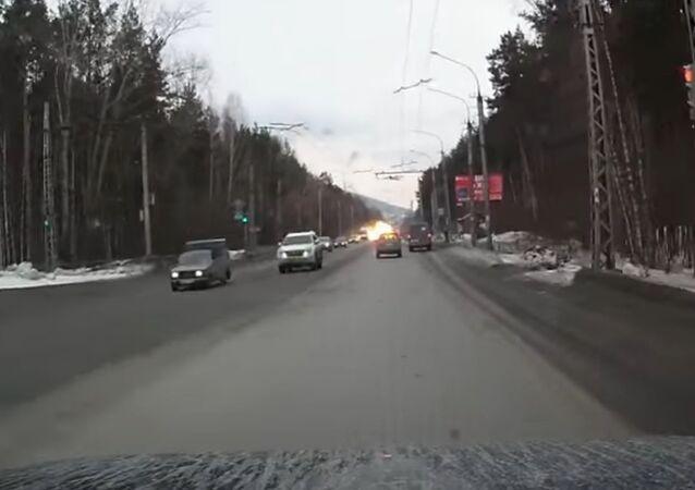 Rusya'da seyir halindeki dolmuş infilak etti