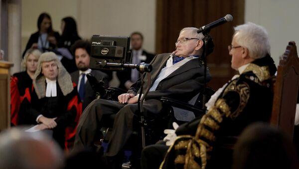 Fizikçi Stephan Hawking - Sputnik Türkiye