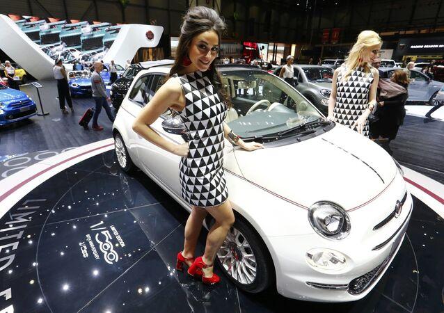 İtalyan markası Fiat, Nuova 500 modelinin 60. yıldönümü nedeniyle geliştirilen Fiat 500 modelinin modifikasyonunu sundu. Yeni modifikasyon 560 adet üretilecek.