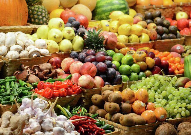 Rusya'da sebze pazarı