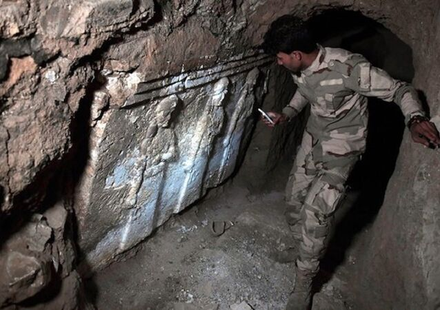 IŞİD'in Musul'daki tünellerinde tarihi saray kalıntıları bulundu