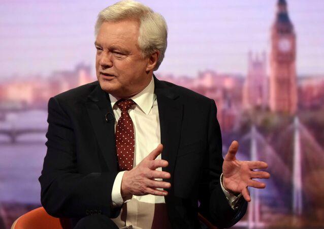 İngiltere'de Brexit Bakanı David Davis