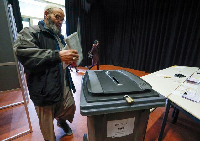 Hollanda'da seçimler yapılıyor