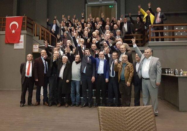 MHP'de 'hayır' diyen İstanbul ilçe başkanları