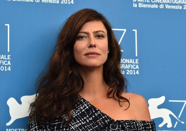 Fransız aktris Anna Mouglalis