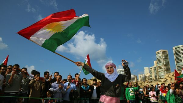 Irak Bölgesel Kürt Yönetimi (IKBY) bayrağı - Sputnik Türkiye