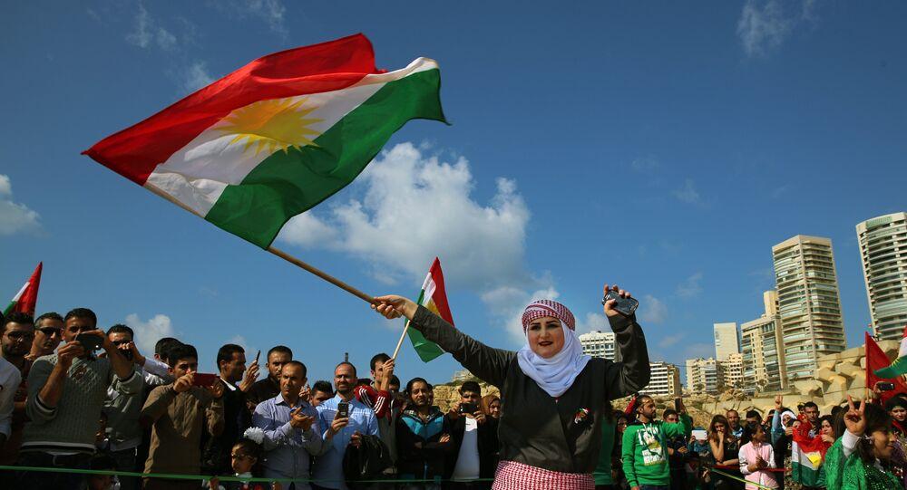 Irak Bölgesel Kürt Yönetimi (IKBY) bayrağı