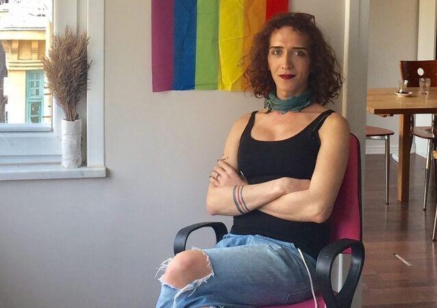 İstanbul LGBTİ Derneği yöneticisi Kıvılcım Arat