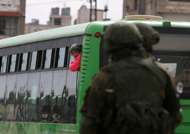 Humus'un el Vaer mahallesinde tahliyeler başladı