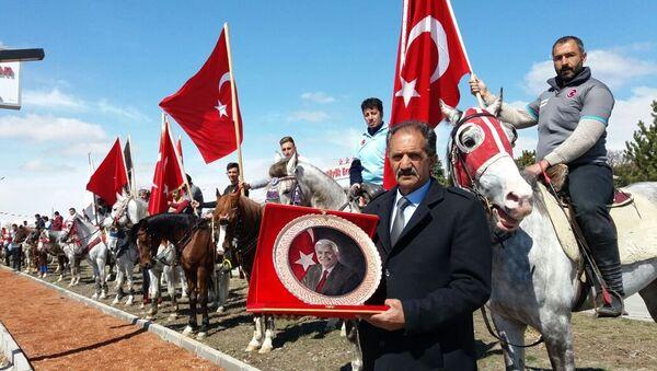 Başbakan Binali Yıldırım'a atlı karşılama - Sputnik Türkiye