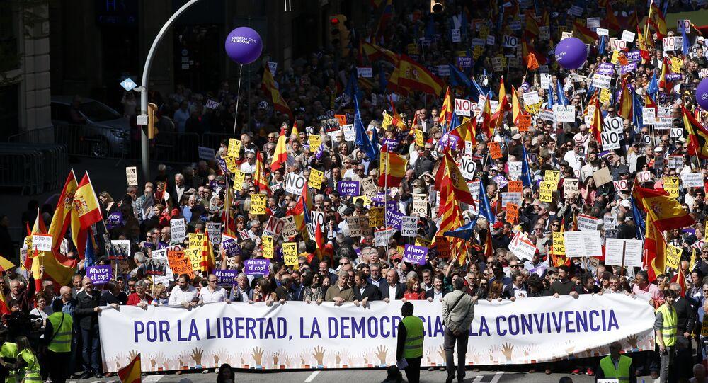 Barselona'da Katalonya'daki bağımsızlık girişimine karşı yürüyüş