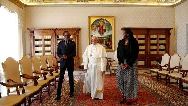 Papa Francis - Paul Kagame - Sputnik Türkiye
