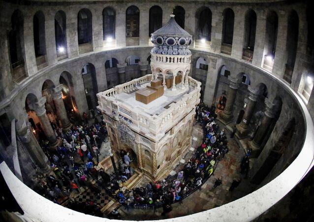 Hz. İsa'nın Kudüs'teki Kutsal Kabir Kilisesi'ndeki mezarı