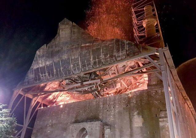 Tarihi Beyazıt Camisi yandı