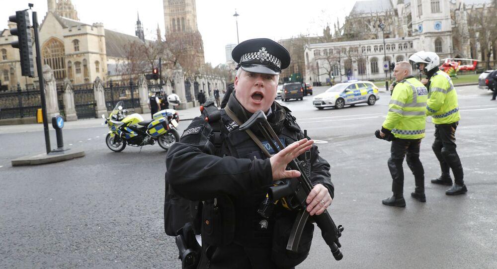 İngiliz parlamentosu önünde saldırı.