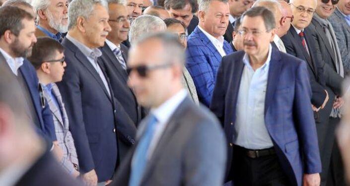 Arınç'tan Gökçek yorumu: Sabrettim ve kazandım - Sputnik Türkiye