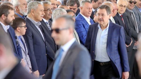 Bülent Arınç ve Melih Gökçek - Sputnik Türkiye