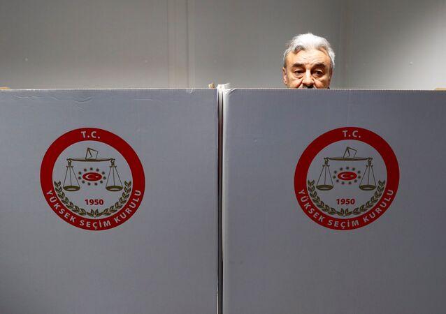 16 Nisan referandumu için Almanya'da oy verme işlemi başladı