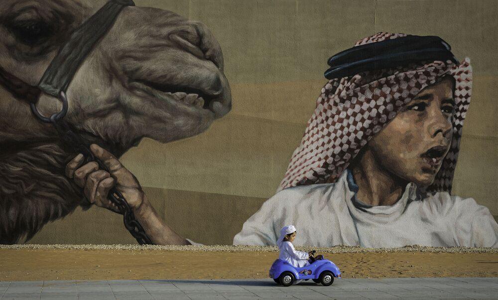 BAE'li fotoğrafçı Mustafa Jindi'nin Transportation çalışması