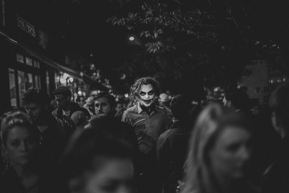 Yunan fotoğrafçı Constantinos Sofikitis'in 'Halloween Protagonists' adlı çalışması.