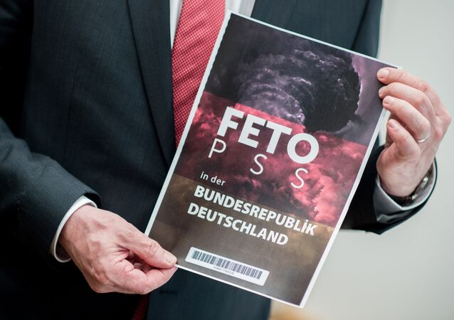 Aşağı Saksonya İçişleri İçişleri Bakanı Boris Pistorius / MİT'in Alman istihbaratına (BND) verdiği FETÖ listesi