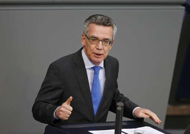 German Interior Minister Thomas de Maiziere addresses a session of Germany's parliament, the Bundestag, in Berlin October 1, 2015.