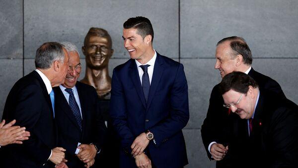 Cristiano Ronaldo / heykel - Sputnik Türkiye