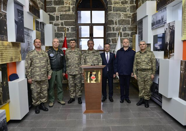 Genelkurmay Başkanı Hulusi Akar ile kuvvet komutanları Diyarbakır'da