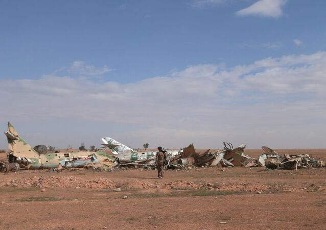 Demokratik Suriye Güçleri (DSG) / Tabka askeri hava üssü