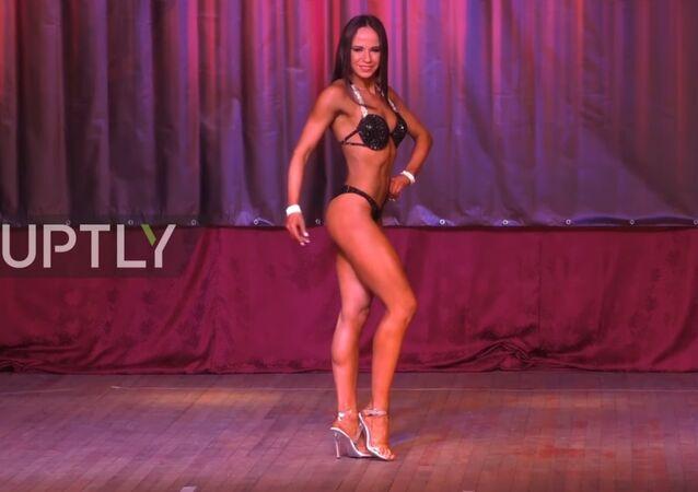 Donbass'ta vücut geliştirme yarışması