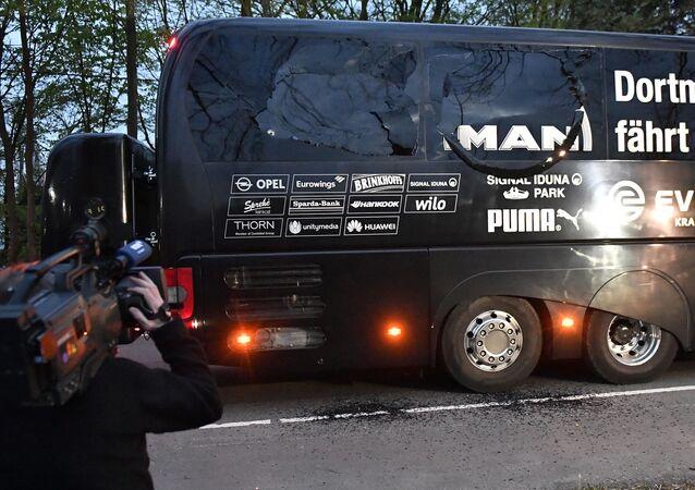 Saldırıda hasar gören Borussia Dortmund otobüsü