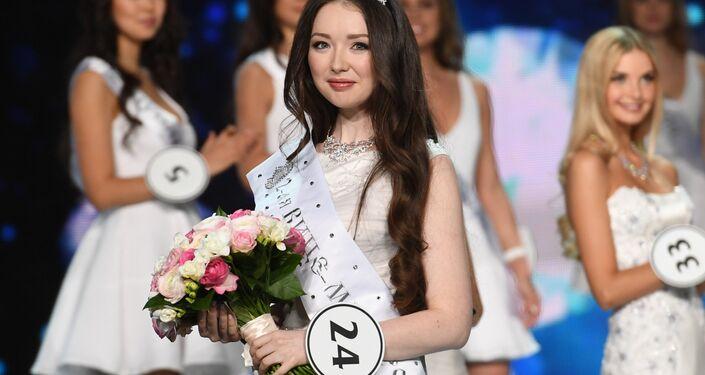 Miss Russia 2017 üçüncüsü Albina Akhtyamova